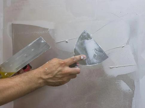 Como passar massa corrida e deixar as paredes de casa lisinhas
